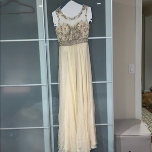Champagne gown for prom/wedding/ bridesmaids